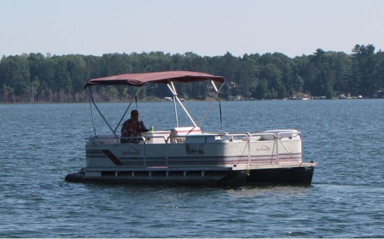 21 ft. pontoon, great fishing boat for 4-5 people