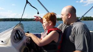 lucky-strike-resort-webster-wi-boating